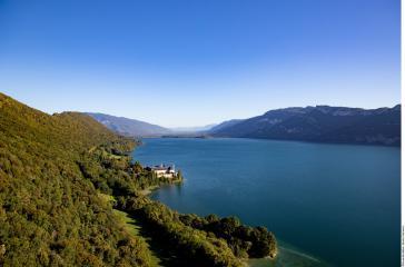 Ressourcez-vous au bord des lacs de Savoie Mont Blanc !