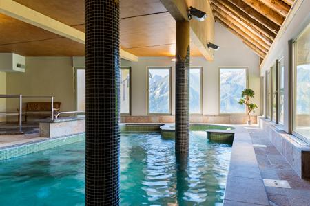 Location de luxe dans les pyr n es avec montagne - Les jardins de balnea lagrange loudenvielle ...