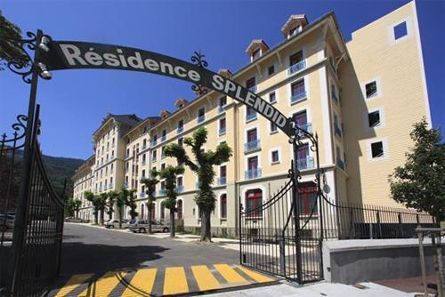 Appart 39 hotel le splendid 25 le collet d 39 allevard for Location appart hotel au mois