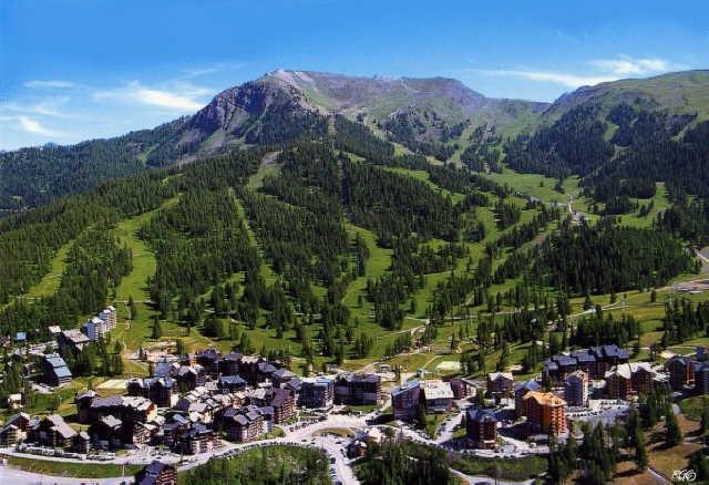 Location au ski Chalet Les Pleiades - Risoul - Extérieur été