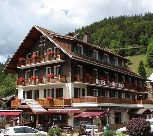 Location au ski Hotel Le Christiania - La Clusaz - Extérieur été