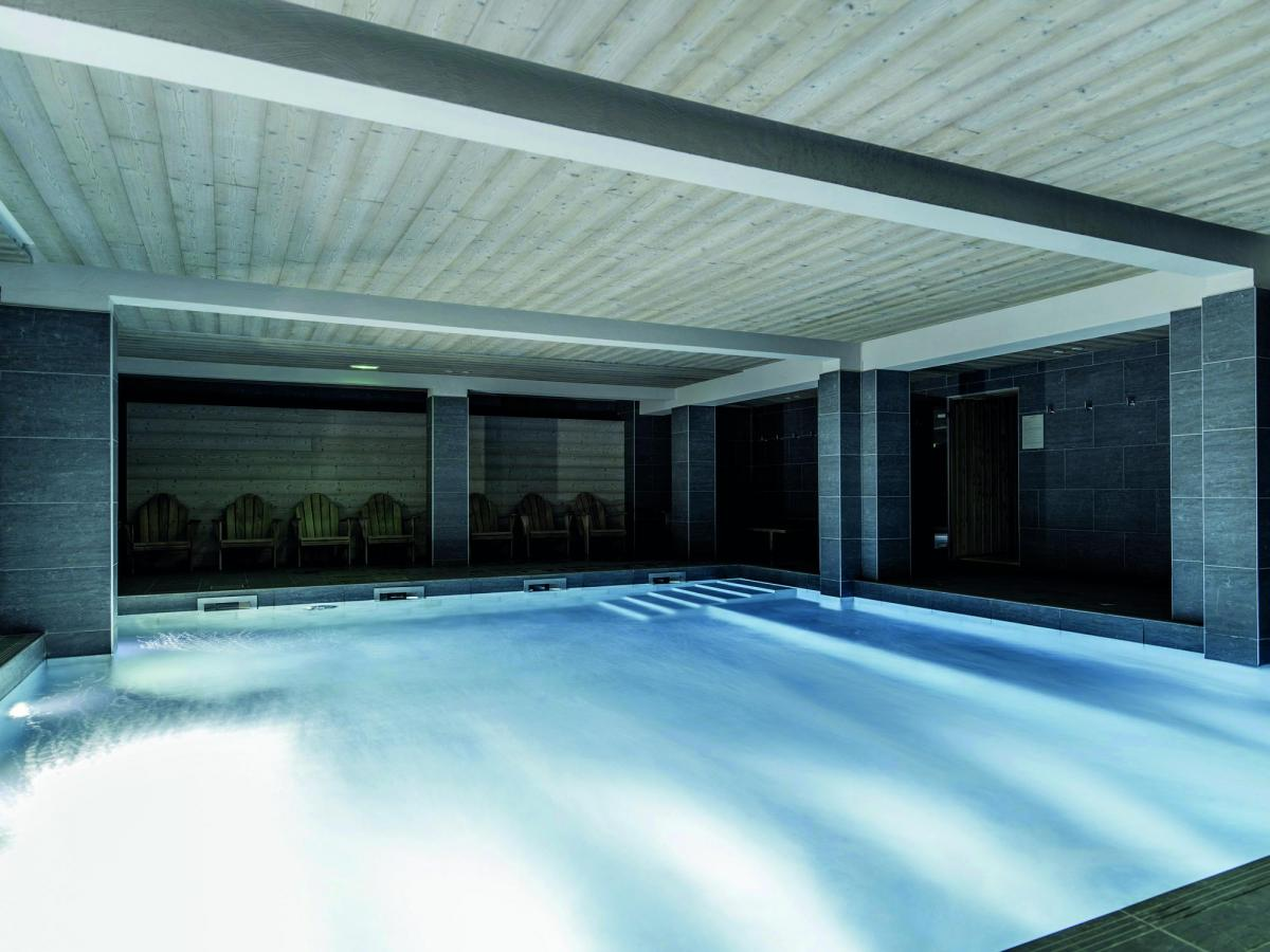 Hotel le fitz roy location vacances montagne val thorens for Piscine val thorens