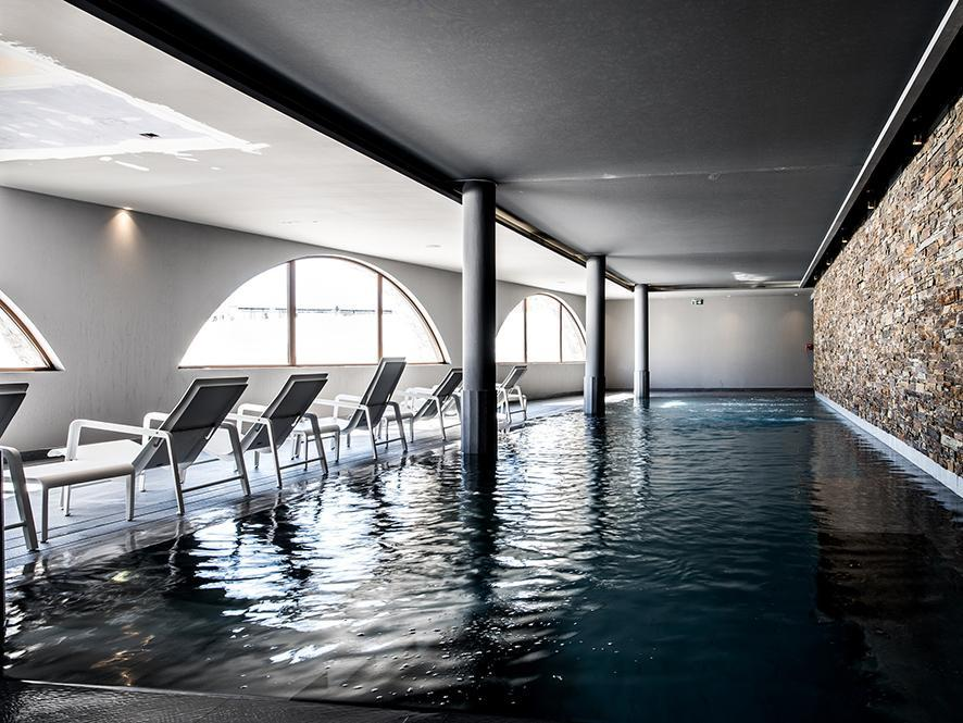 Hotel le val thorens partir de 1155 location vacances for Piscine val thorens