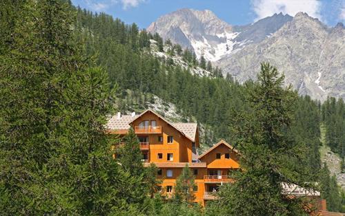 Location au ski La Residence Le Hameau Des Ecrins - Puy-Saint-Vincent - Extérieur été