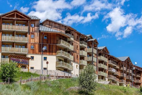 Location au ski La Residence Les Toits Du Devoluy - Superdévoluy - Extérieur été