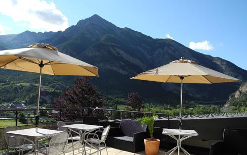 Location au ski Le Chateau Des Magnans - Pra Loup - Extérieur été