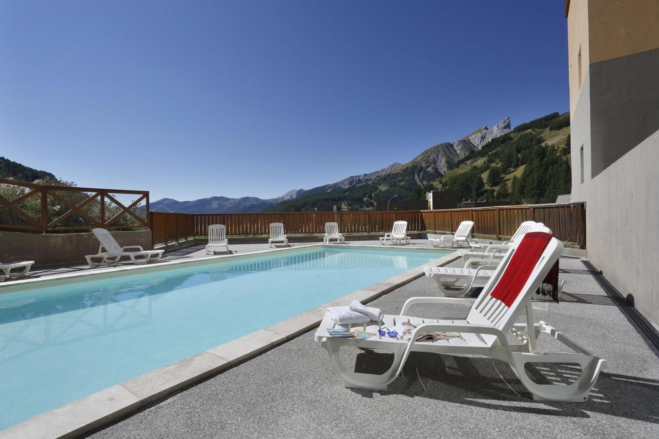 Les balcons du soleil partir de 168 location vacances for Piscine du soleil nice