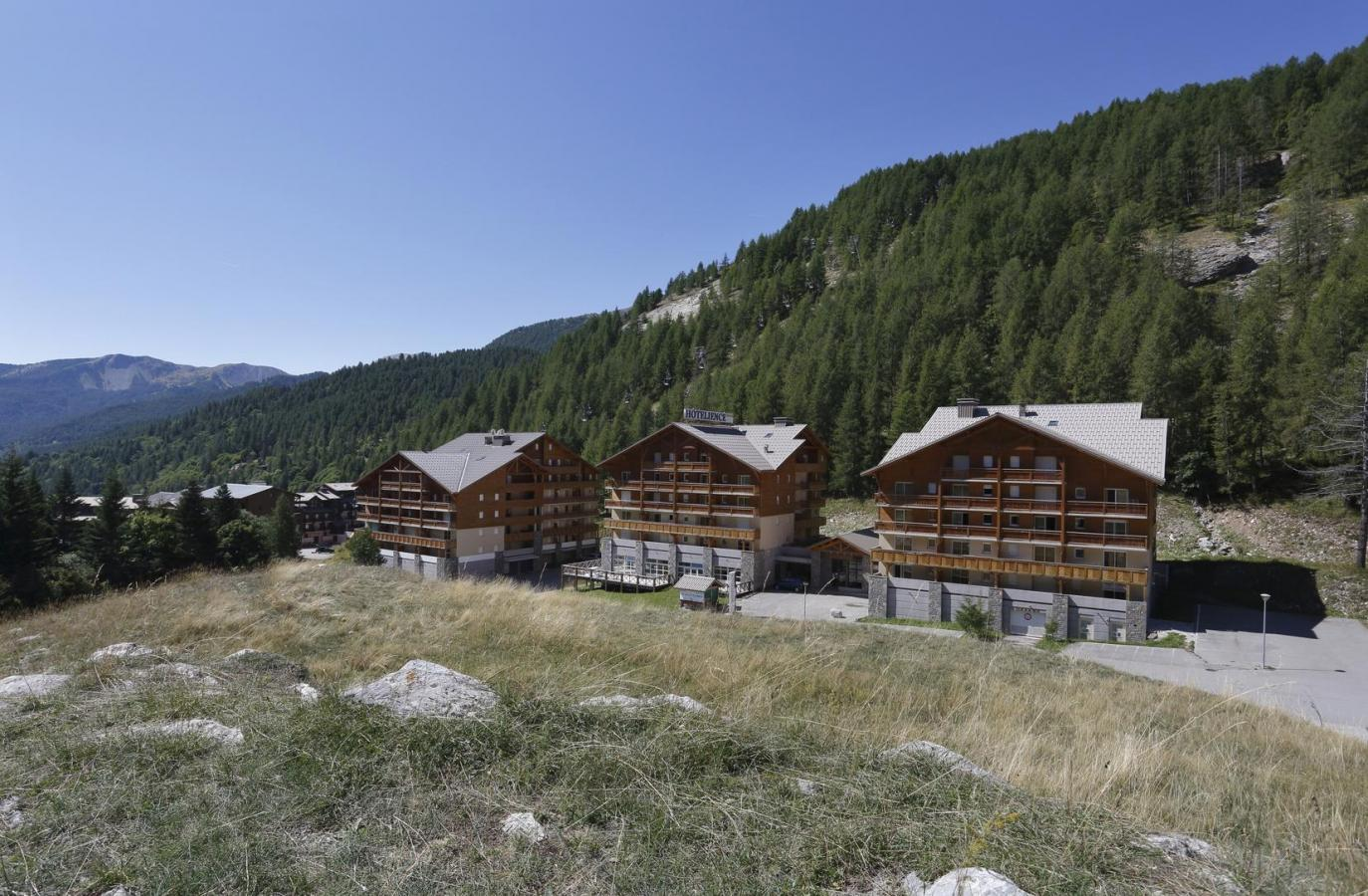 les chalets du verdon 20 val d allos location vacances ski val d allos ski planet