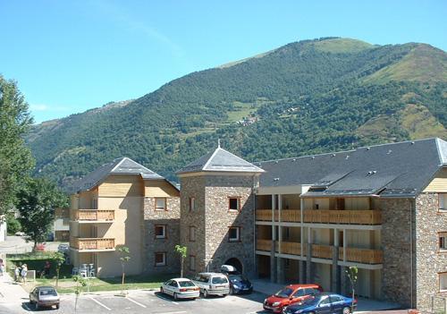 Location au ski Residence Lagrange Les Pics D'aran - Luchon-Superbagneres - Extérieur été