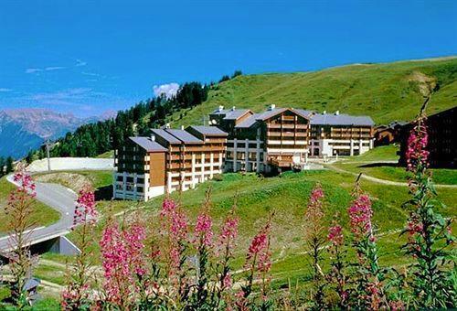 Location au ski Residence Le Cervin - La Plagne - Extérieur été