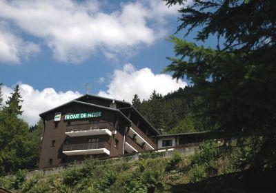 Location au ski Residence Le Front De Neige - Les Carroz - Extérieur été