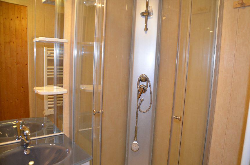 Location au ski Studio cabine 4 personnes (322) - Residence Le Villaret - Les Menuires - Extérieur été