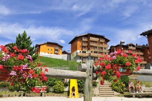 Location au ski Residence Les 4 Vallees - Saint-François Longchamp - Extérieur été