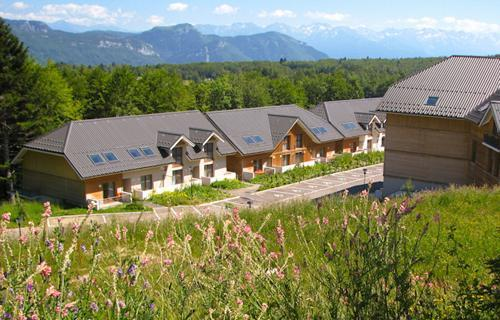 Rent in ski resort Residence Les Balcons D'aix - La Féclaz - Summer outside