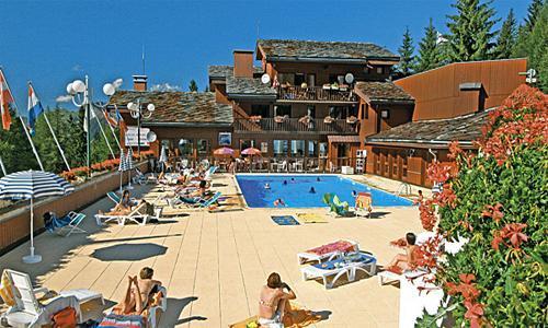 Location au ski Residence Pierre Et Vacances Plagne Lauze - La Plagne - Extérieur été