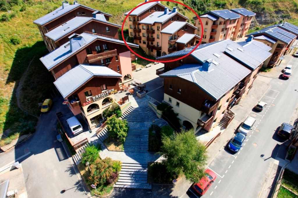 Location au ski Studio 3 personnes (021) - Residences Du Quartier Napoleon - Val Cenis - Extérieur été