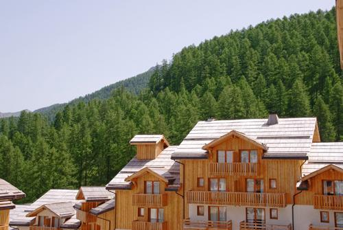 Rent in ski resort Residences La Foret D'or - Les Orres - Summer outside