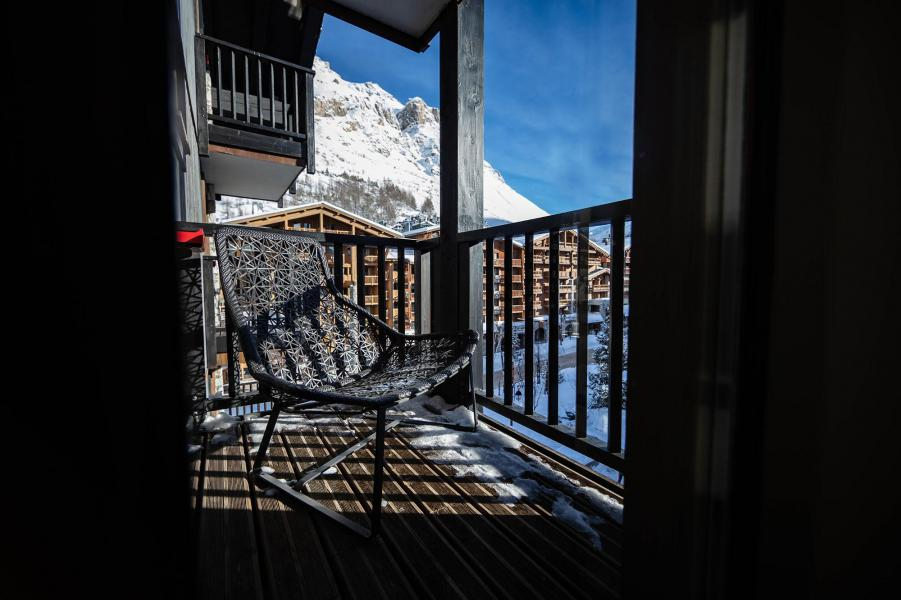 Holiday in mountain resort Avenue Lodge Hôtel - Val d'Isère - Balcony