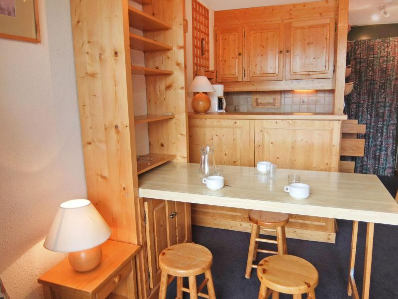 Holiday in mountain resort 1 room apartment 3 people (8) - Caron - Les Menuires - Accommodation