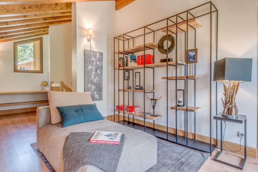 Holiday in mountain resort 7 room triplex chalet 10-12 people - Chalet Alideale - Champagny-en-Vanoise - Armchair