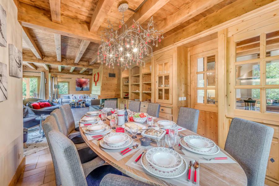 Holiday in mountain resort 7 room triplex chalet 10-12 people - Chalet Alideale - Champagny-en-Vanoise - Table