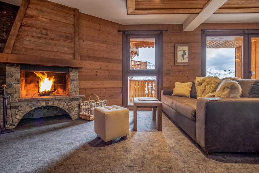 Vacances en montagne Appartement 3 pièces 4 personnes - Chalet Altitude - Val Thorens - Cheminée