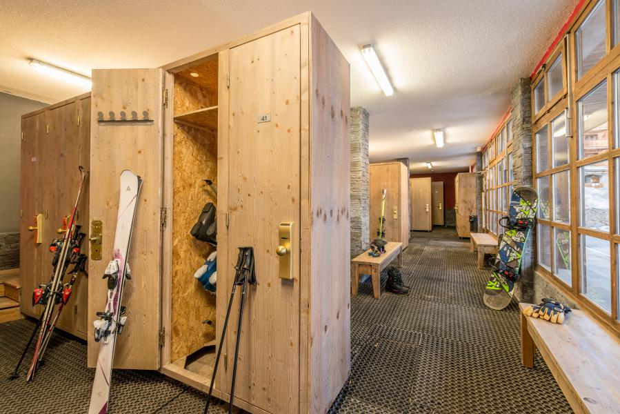 Vakantie in de bergen Chalet Altitude - Les Arcs - Ski locker