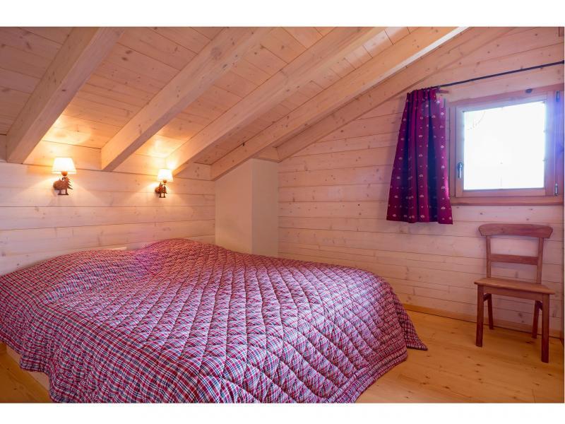 Holiday in mountain resort Chalet Barbara - Thyon - Bedroom under mansard