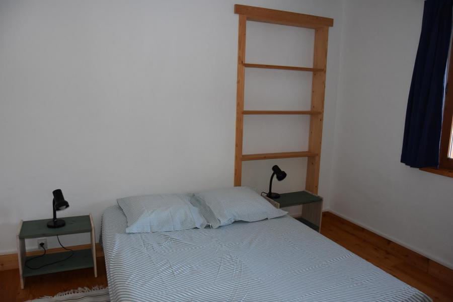 Wakacje w górach Apartament 3 pokojowy 4 osób (RDJ) - Chalet Bas de Chavière - Pralognan-la-Vanoise - Łóżkem małżeńskim
