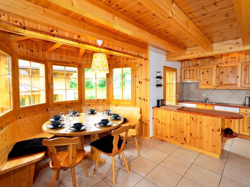 Holiday in mountain resort Chalet Bellevue - La Tzoumaz - Dining area
