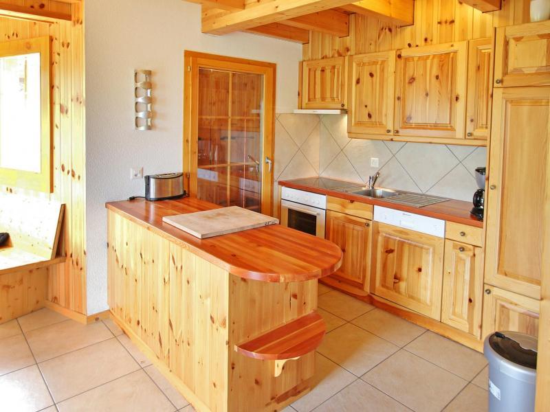 Holiday in mountain resort Chalet Bellevue - La Tzoumaz - Kitchen