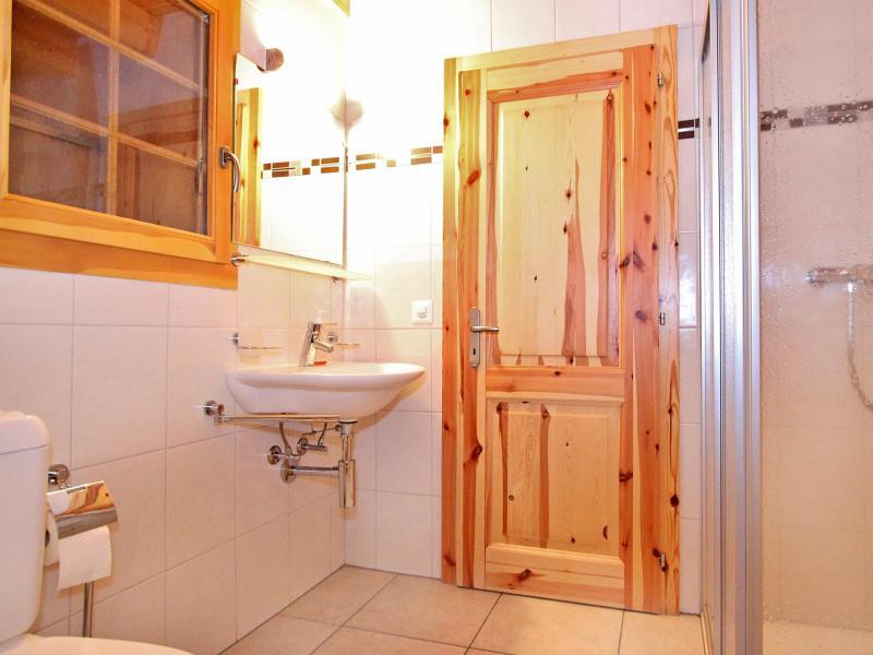 Holiday in mountain resort Chalet Bellevue - La Tzoumaz - Shower room