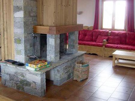 Vacances en montagne Chalet Brequin - Les Menuires - Cheminée