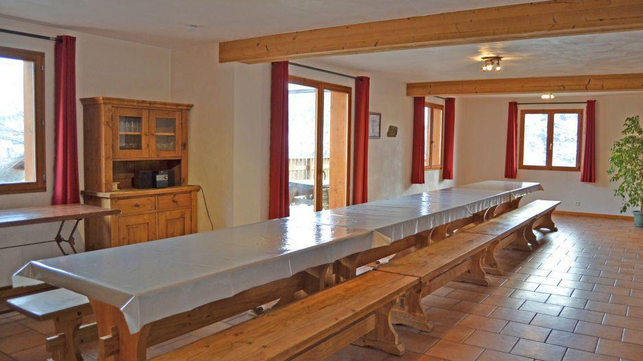 Holiday in mountain resort Chalet Brequin - Les Menuires - Dining area