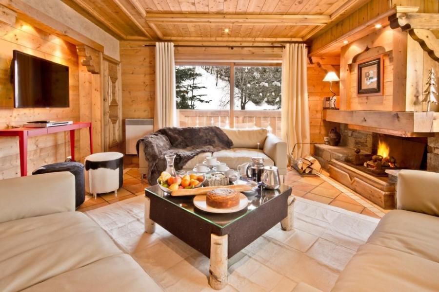 Vacances en montagne Chalet Brioche - Méribel - Cheminée