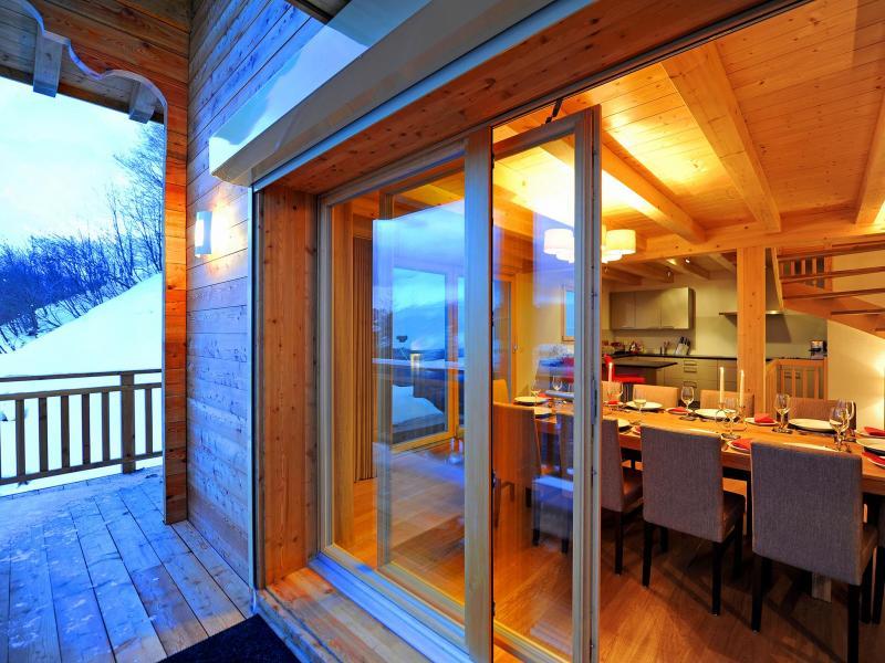 Urlaub in den Bergen Chalet Brock - Thyon - Fenstertür zum Balkon