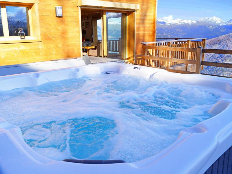 Holiday in mountain resort Chalet Brock - Thyon - Jacuzzi