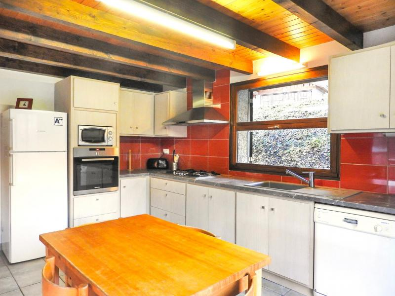 Holiday in mountain resort Chalet Carella - Champagny-en-Vanoise - Kitchen