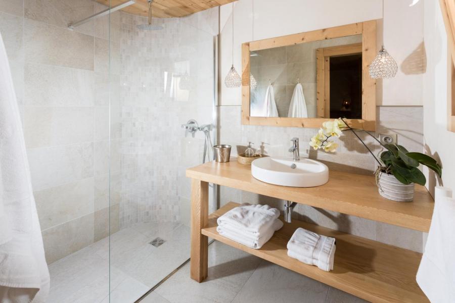 Vacances en montagne Chalet 6 pièces 15 personnes - Chalet Céleste - Le Grand Bornand - Salle de bains