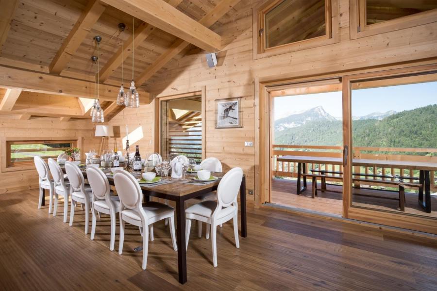 Vacances en montagne Chalet 6 pièces 15 personnes - Chalet Céleste - Le Grand Bornand - Table
