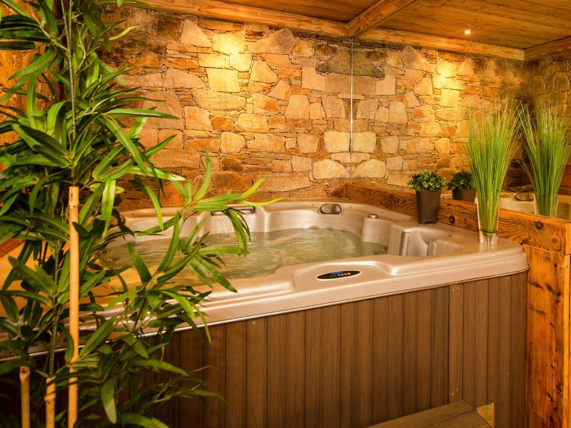 Holiday in mountain resort Chalet Champagny Cpg01 - Champagny-en-Vanoise - Jacuzzi