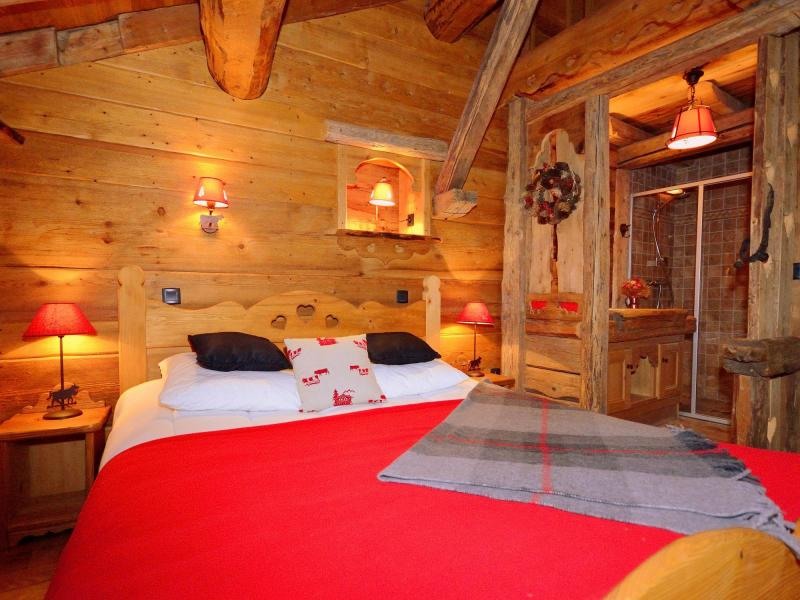 Holiday in mountain resort Chalet Champagny CPV01 - Champagny-en-Vanoise - Bedroom