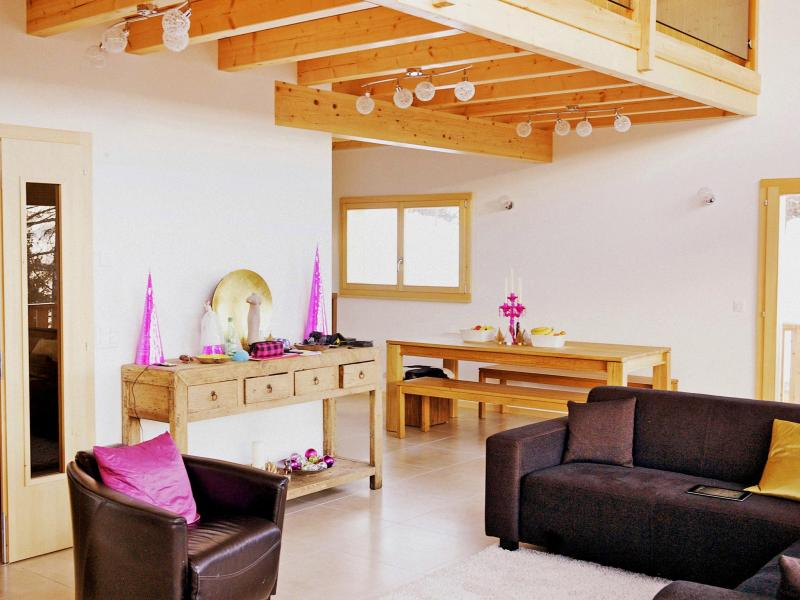 Holiday in mountain resort Chalet Chaud - La Tzoumaz - Armchair