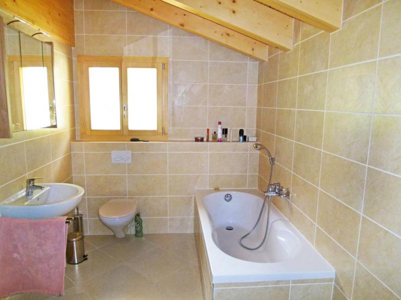 Holiday in mountain resort Chalet Chaud - La Tzoumaz - Bathroom