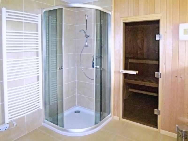 Holiday in mountain resort Chalet Chaud - La Tzoumaz - Shower