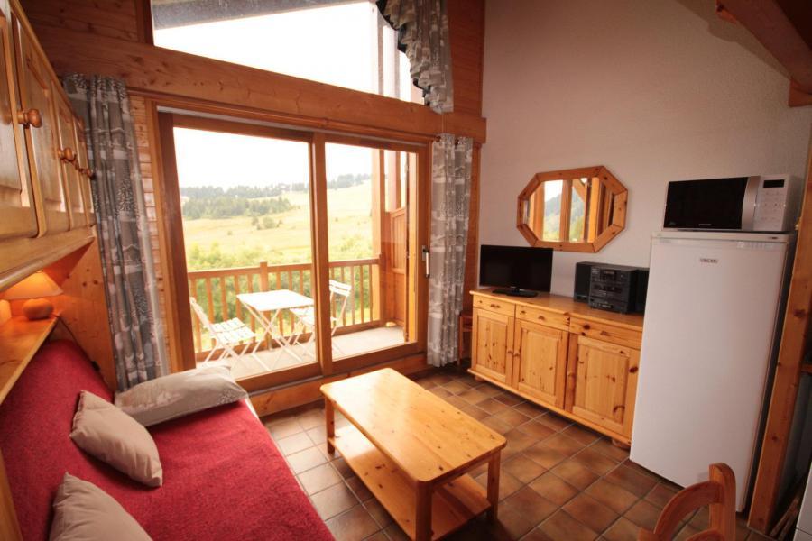 Vacaciones en montaña Apartamento 2 piezas mezzanine para 6 personas (215) - Chalet Cristal 2 - Les Saisies - Mesa baja