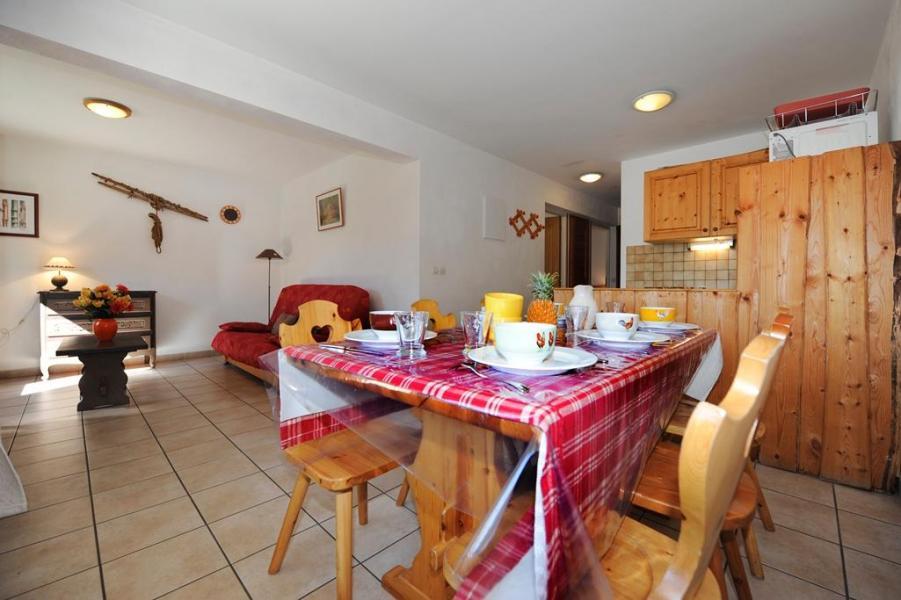 Vacances en montagne Appartement 3 pièces 6 personnes - Chalet Cristal - Les Menuires - Coin repas