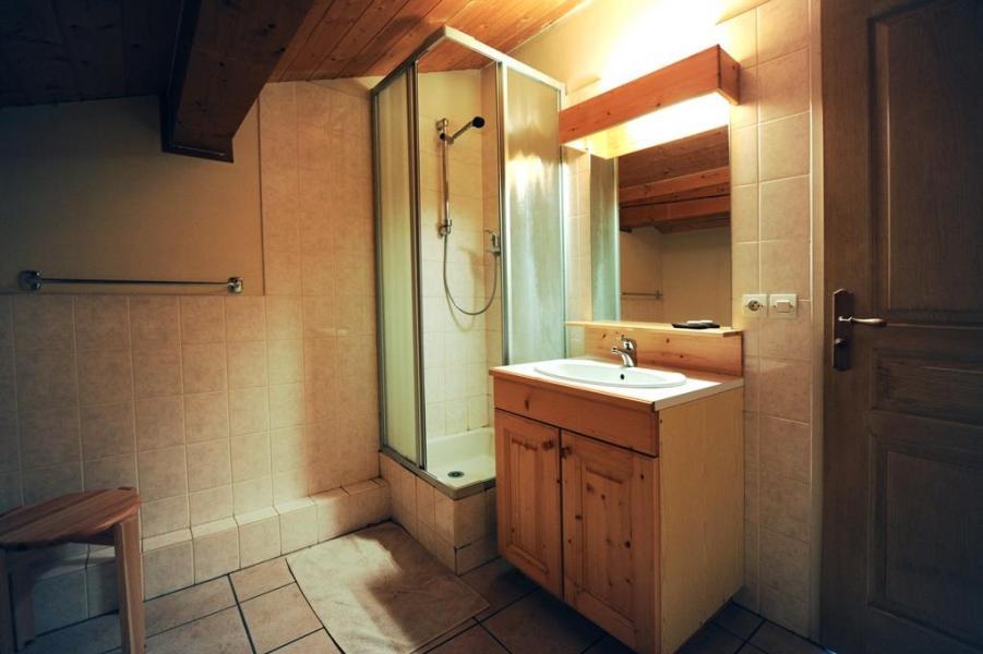 Vacances en montagne Appartement duplex 4 pièces 10 personnes - Chalet Cristal - Les Menuires - Douche