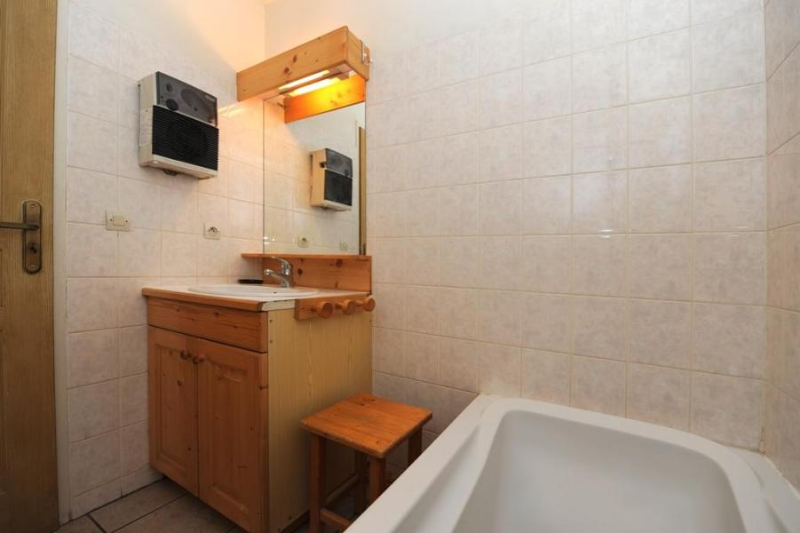 Vacances en montagne Appartement duplex 6 pièces 13 personnes - Chalet Cristal - Les Menuires - Baignoire