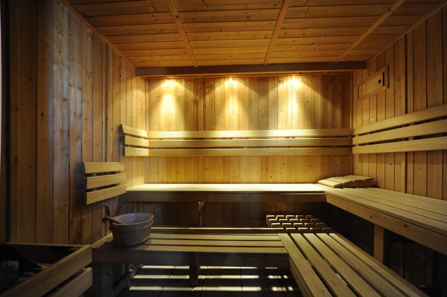 Vacances en montagne Chalet Cristal - Les Menuires - Sauna